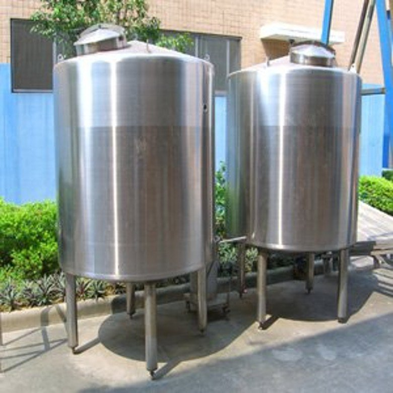 Резервуар на 110 л из нержавеющей стали